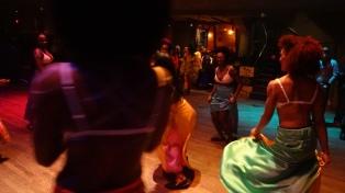 Dancing on the dancfloor