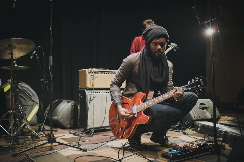 Rocking his Gibson