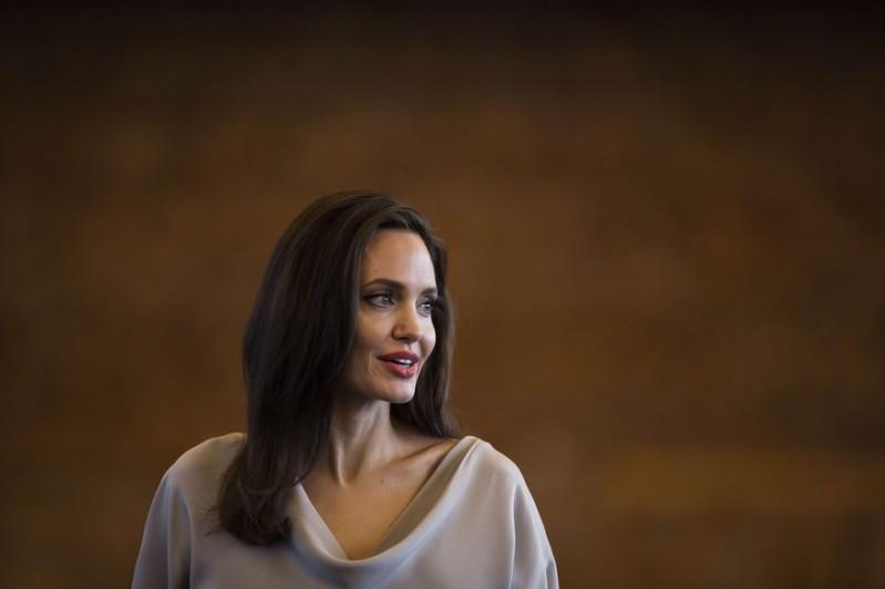 Angelina Jolie Vancouver 2017