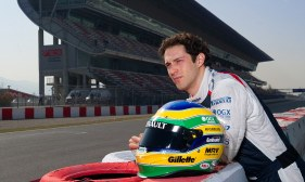 BRUNO SENNA OF WILLIAMS F1, NEPHEW OF THE LATE GREAT AYRTON, TAKES TIME OUT OF PRE SEASON TESTING AT THE CIRCUIT DE CATALUNYA IN BARCELONA. HIS RACING HELMET IS VERY SIMILAR TO AND IS DESINGED AS A TRIBUTE TO AYRTON. COPYRIGHT PHOTOGRAPH : MARK PAIN 07774 842005. 1/3/2012